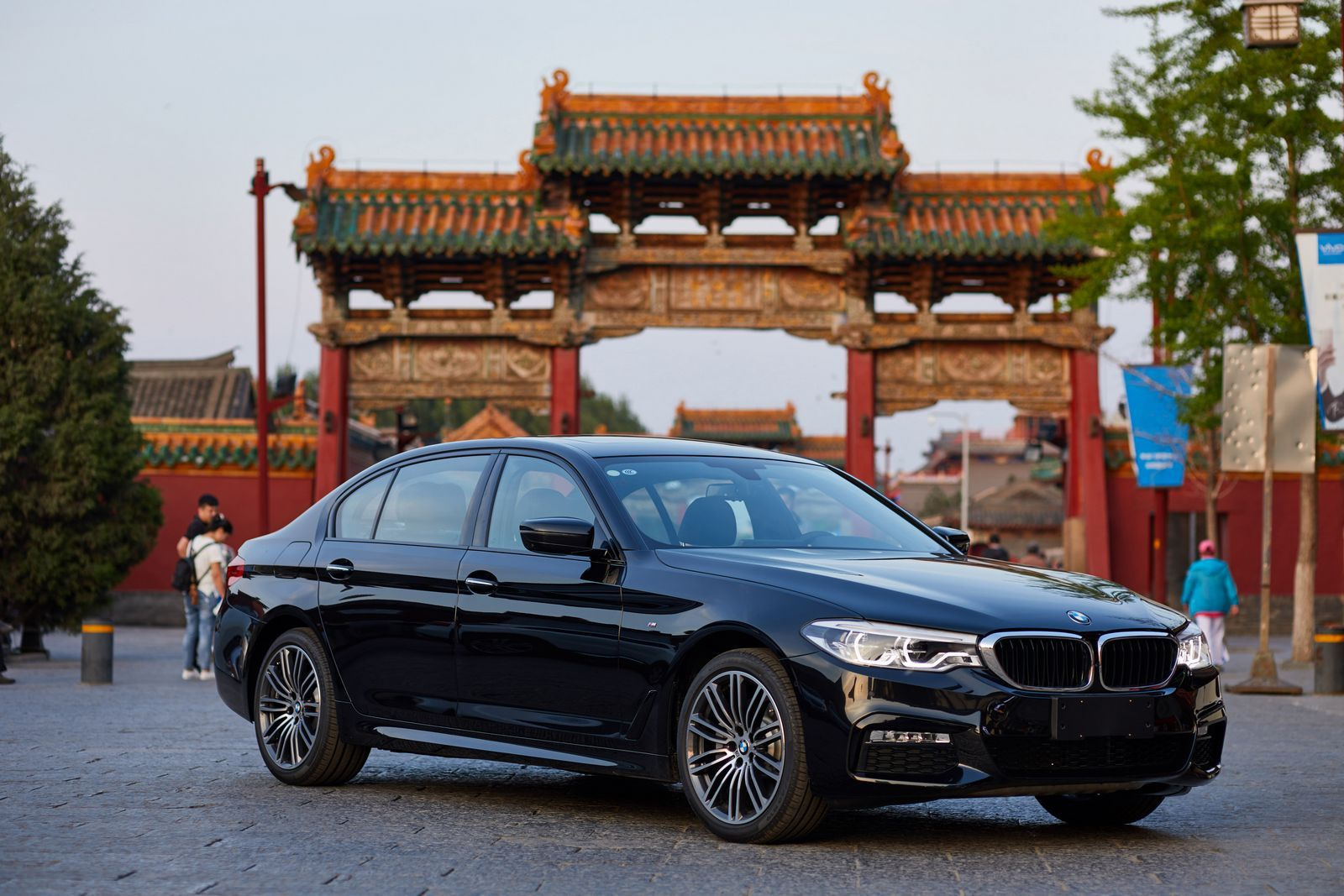 Chinese-Built BMW Cars Might Travel Worldwide The German carmaker is ...