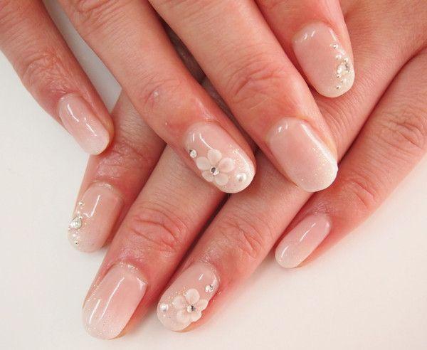 和装の式を控えた花嫁必見 憧れの 白無垢 に似合うネイルデザイン画像集 色打掛 ネイル ネイル ネイルデザイン