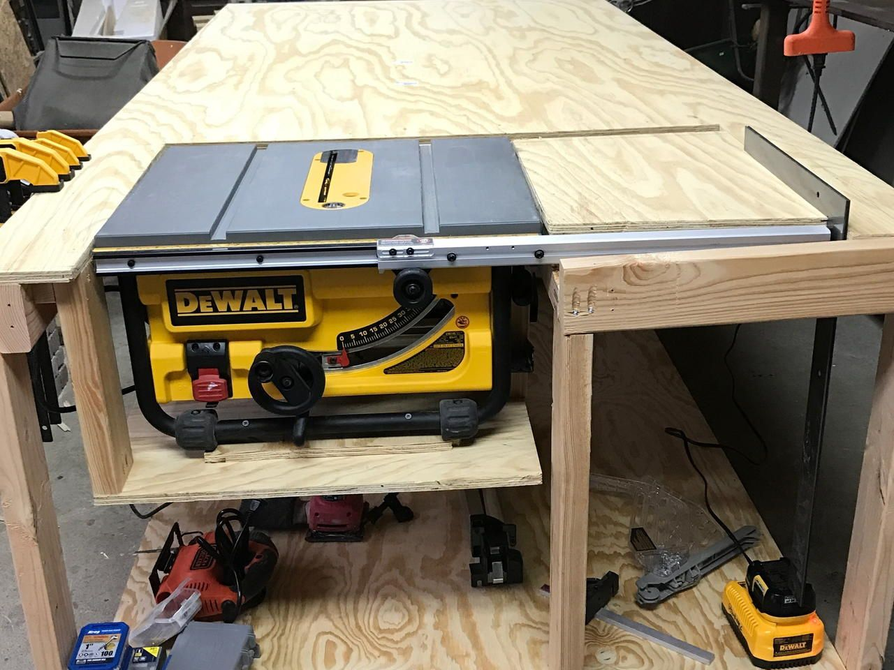 What You Will Need 12 2x4x8 Select Stud 2 3 4 4x8 Plywood Easy Quick Woodwork Table Saw Simple Pow Woodworking Bench Plans Table Saw Workbench Table Saw