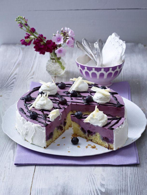 lila heidelbeer torte rezept sommerkuchen summer cakes pinterest heidelbeer torte torten. Black Bedroom Furniture Sets. Home Design Ideas