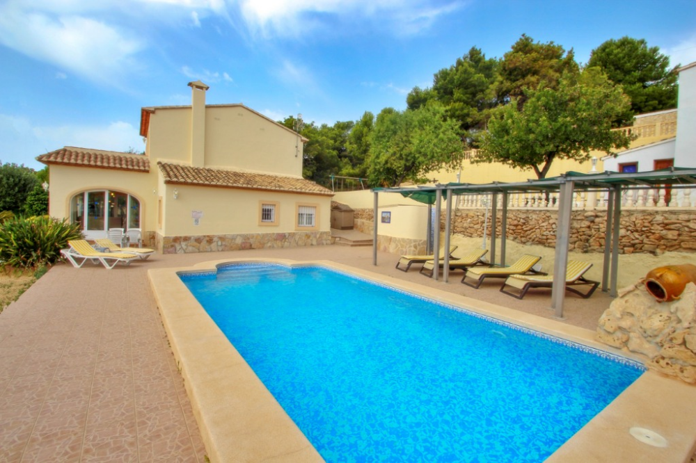 This villa has a last minute offer 30 off, if your stay