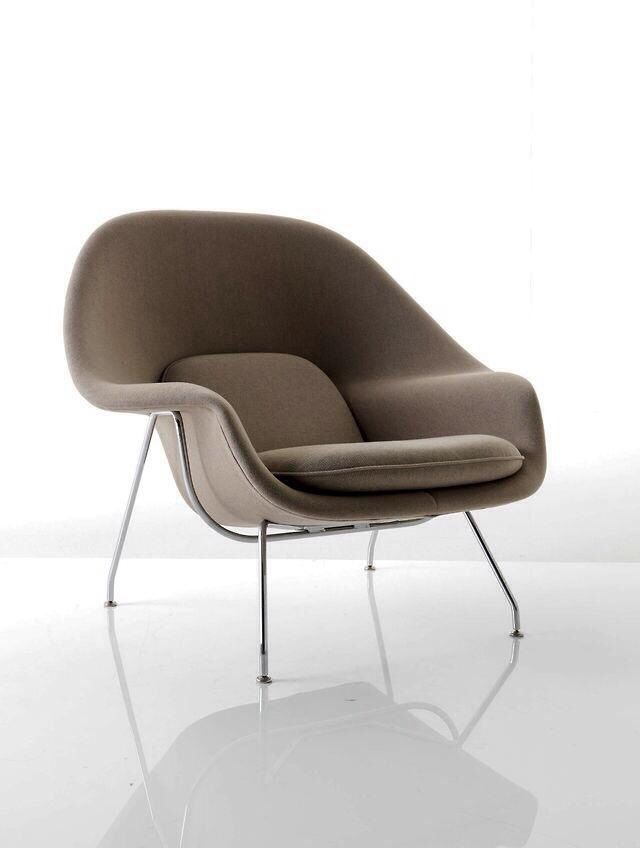 scandinaviancollectors: EERO SAARINEN, Womb lounge chair, designed in 1948 for Knoll International. Wool fabric and stainless steel  scandinaviancollectors: EERO SAARINEN, Womb espreguiçadeira, projetado em 1948 por Knoll International. Tecido de lã e aço inoxidável.