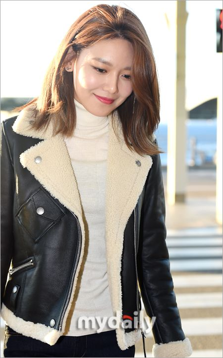 SNSD SooYoung is off to New York!
