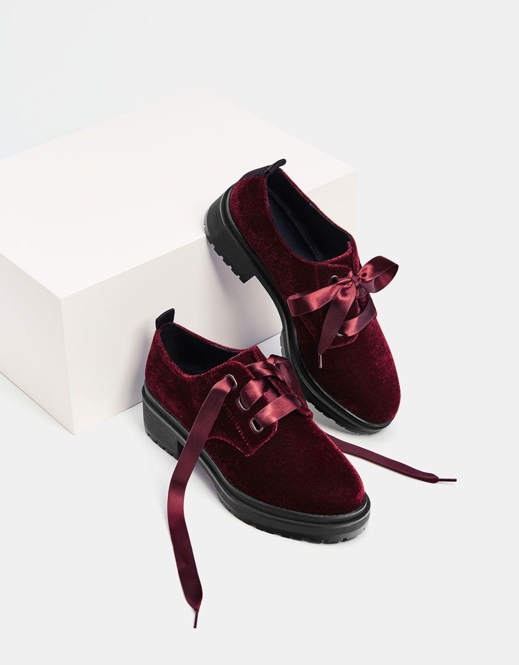96245129 Zapato plataforma terciopelo. Descubre ésta y muchas otras prendas en  Bershka con nuevos productos cada semana