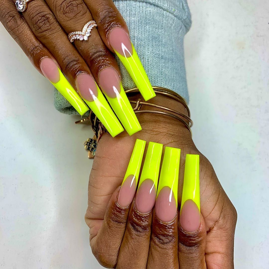 "Khadijah Reid 💅🏽 on Instagram: ""did it againnnnn 🤩 except this time... NEON 🎾  #instagramnails #greensboronailtech #greensboronails #ncatnails #explorepage #viral…"""