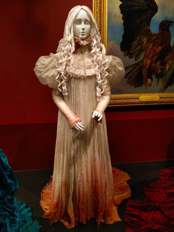 Mia Wasikowska Costum For Crimson Peak Designed By Kate