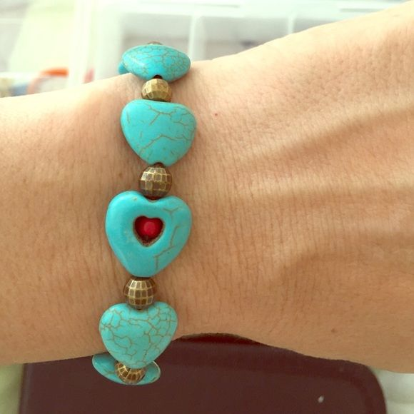 Stone Bead Hearts Bracelet, Turquoise Stone. Stone Bead Hearts Bracelet. Turquoise Stone, HANDMADE, NEW! $25.00 or 2 for $30.00. Last pic is just for show. Listing is priced for 1 bracelet only. 7 inch wrist, s/m stretchy. Jewelry Bracelets