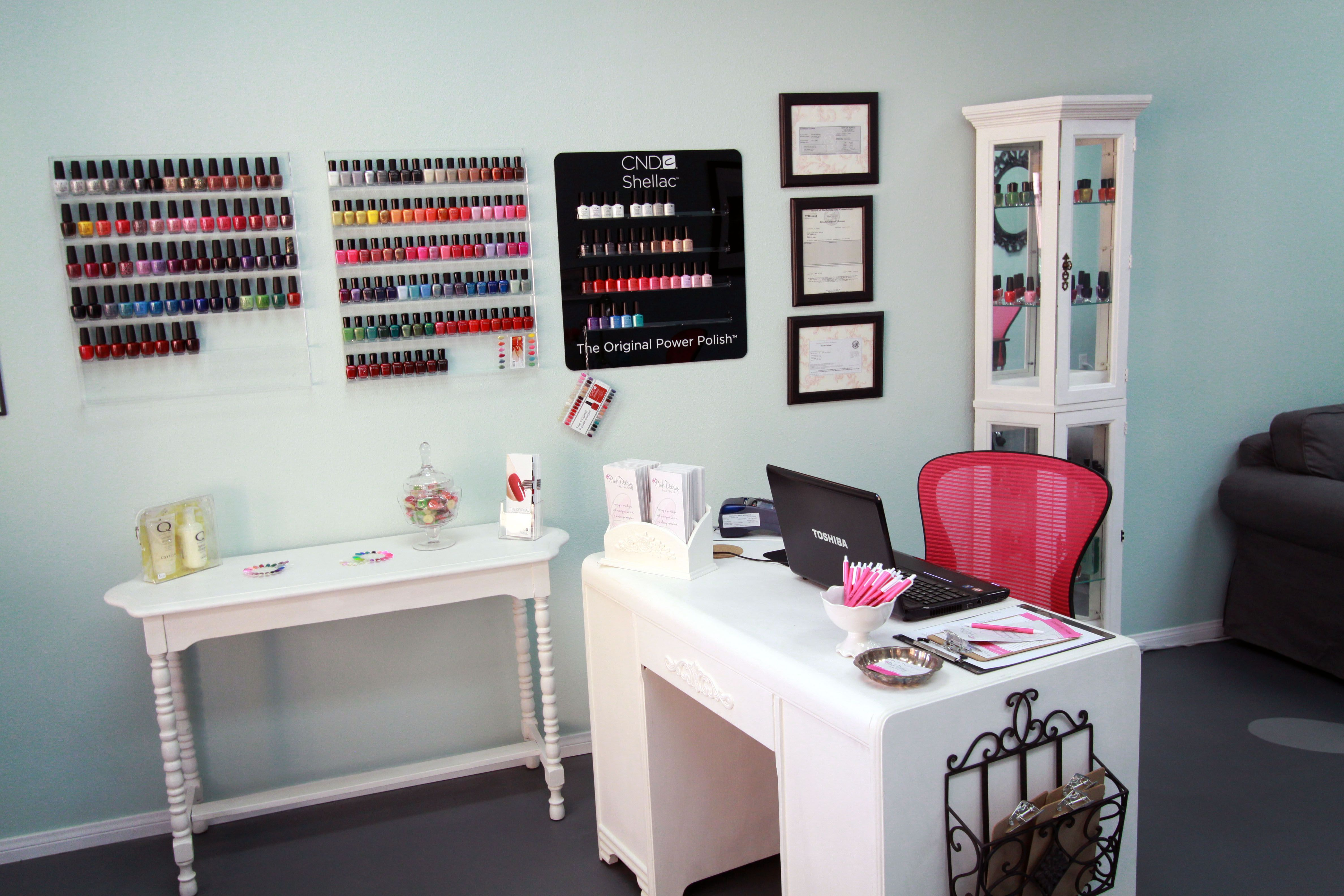 Pink Daisy Nail Salon front desk and reception