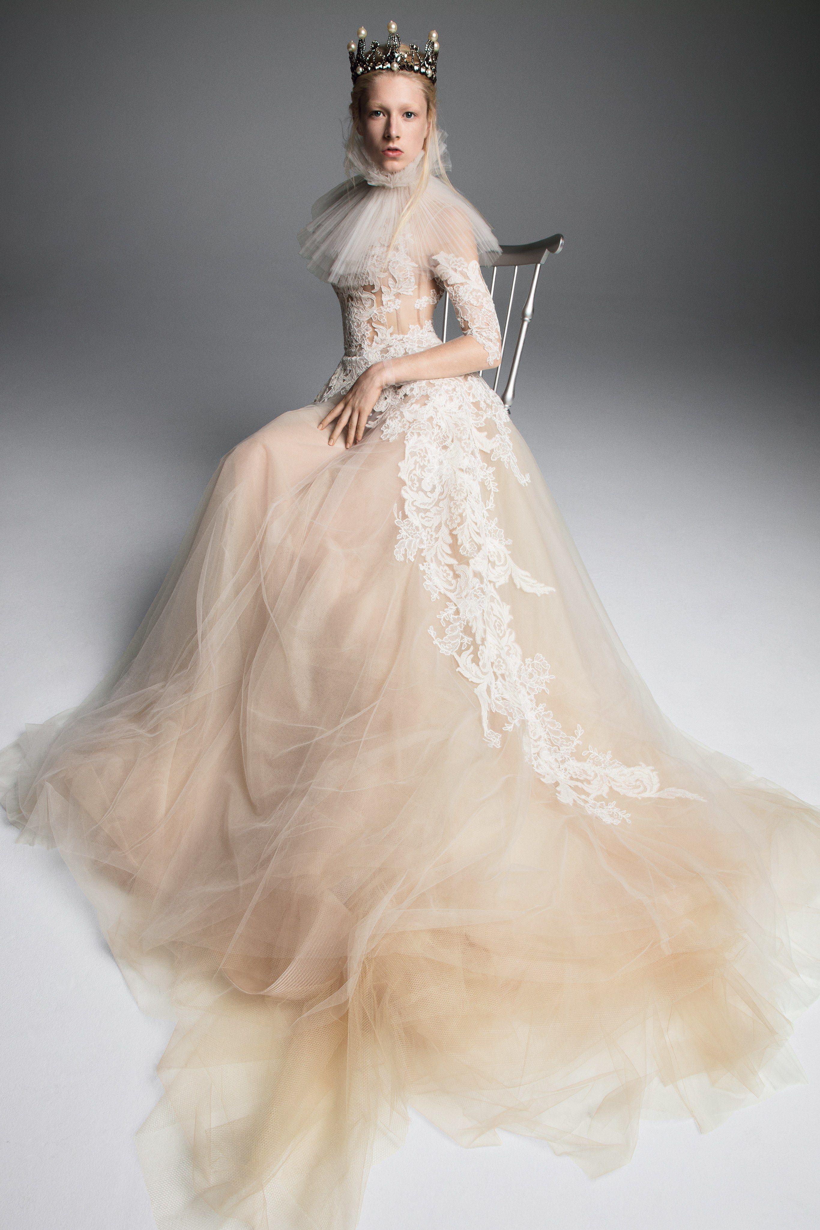 Vera Bridal Fall 2019 Fashion Show Foto Clic In