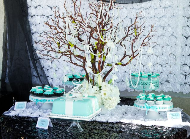 Tiffany & Co, Breakfast at Tiffany's Bridal/Wedding Shower Party Ideas | Photo 8 of 19 | Catch My Party