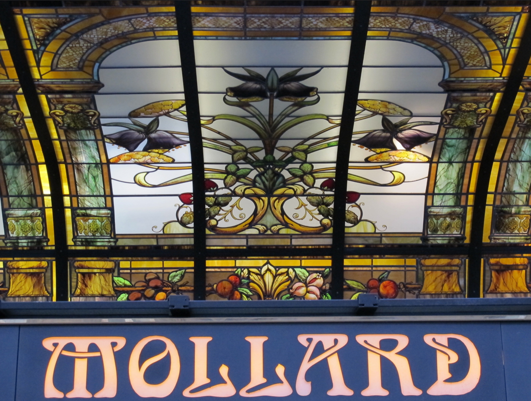 stained glass canopy in brasserie mollard paris realized by france vitrail international photo. Black Bedroom Furniture Sets. Home Design Ideas