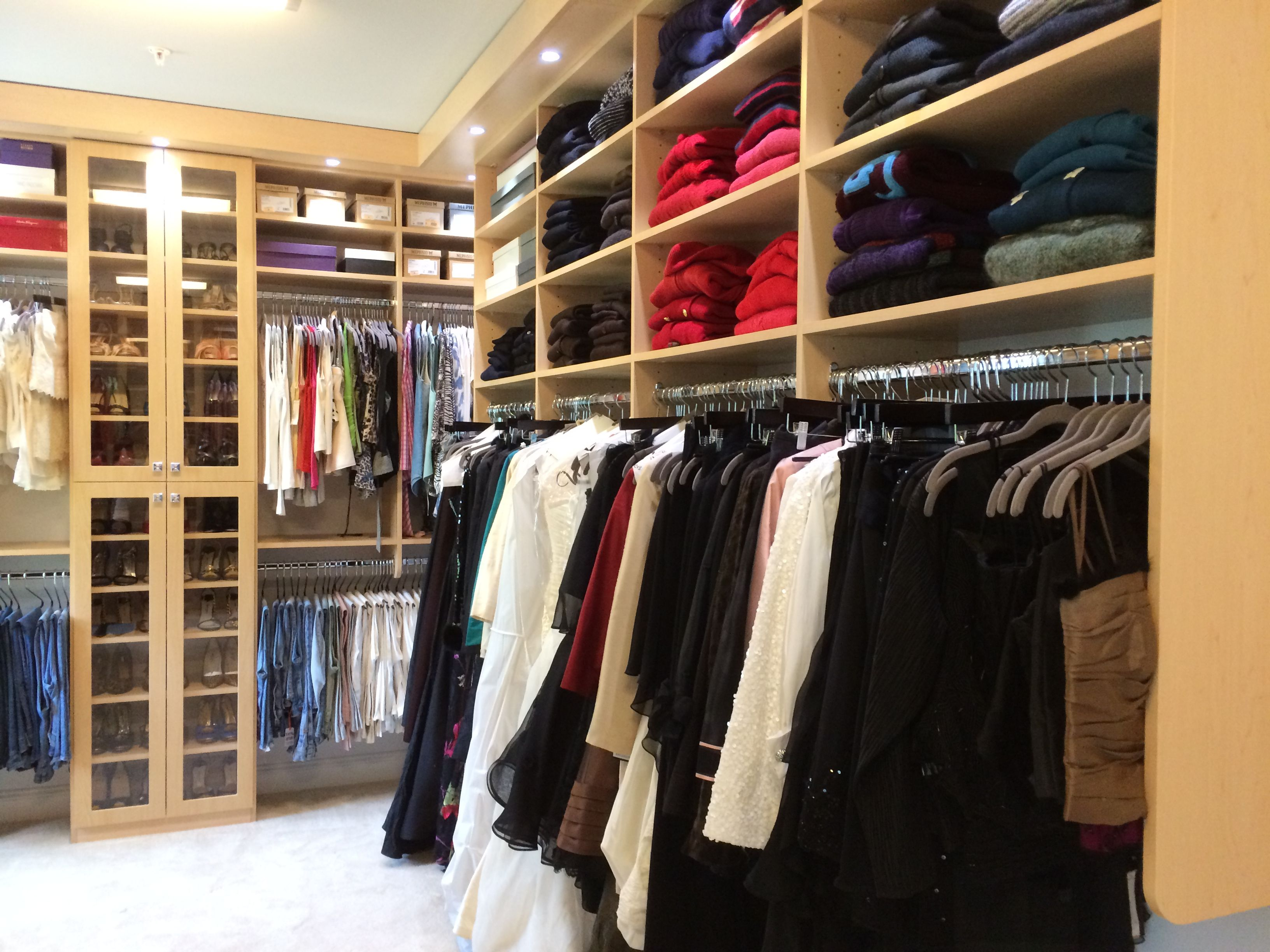 Create A Closet That Is Intimate Yet Useful So That