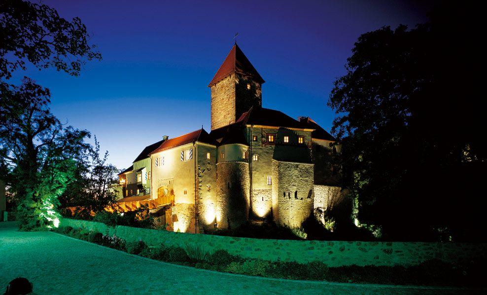 Hotel Burg Wernberg Sightsleeping Hotels Bavaria Germany