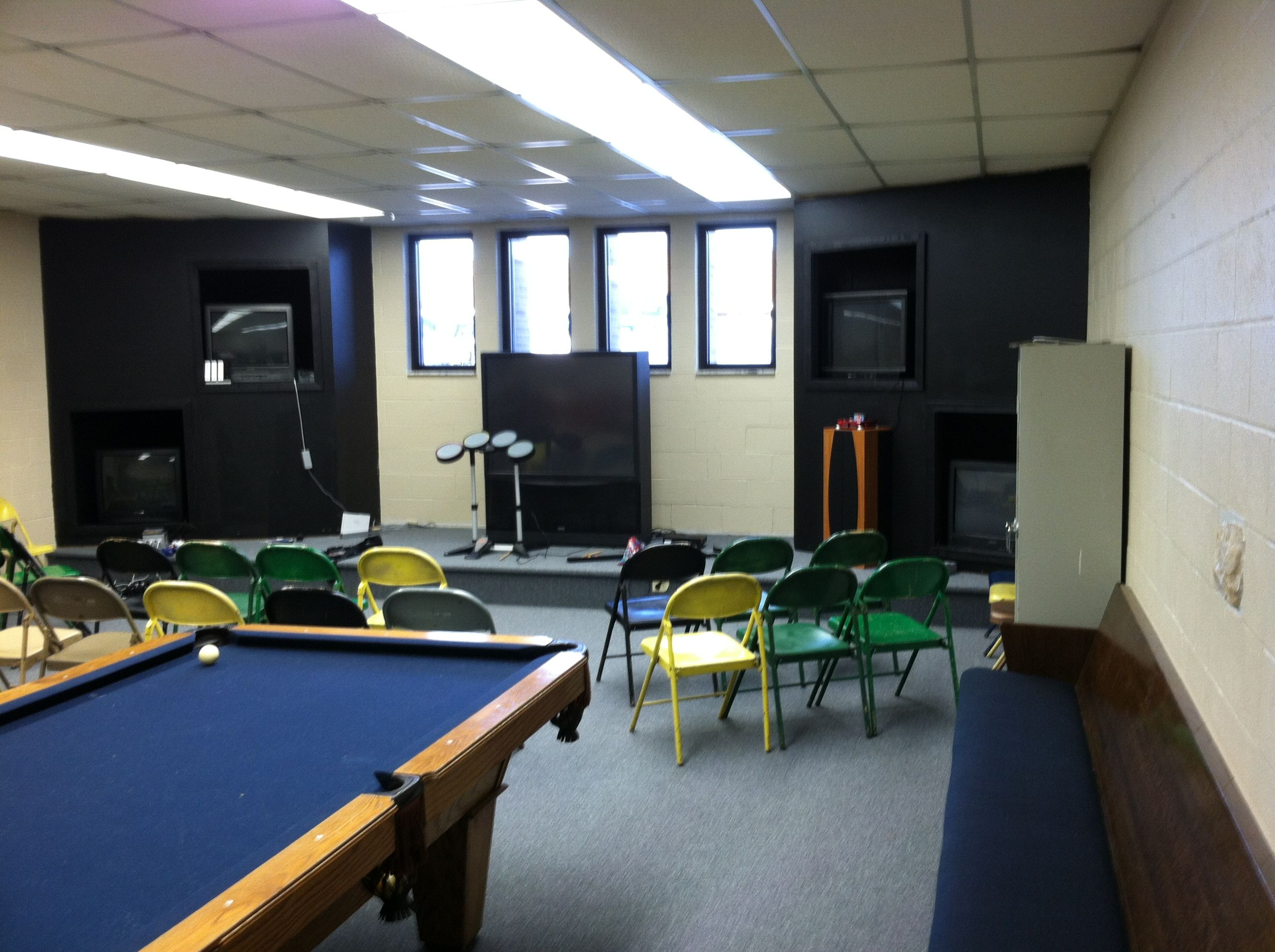 Pin By Tony Green On Church Youth Ministry Room Youth Rooms Youth Group Rooms