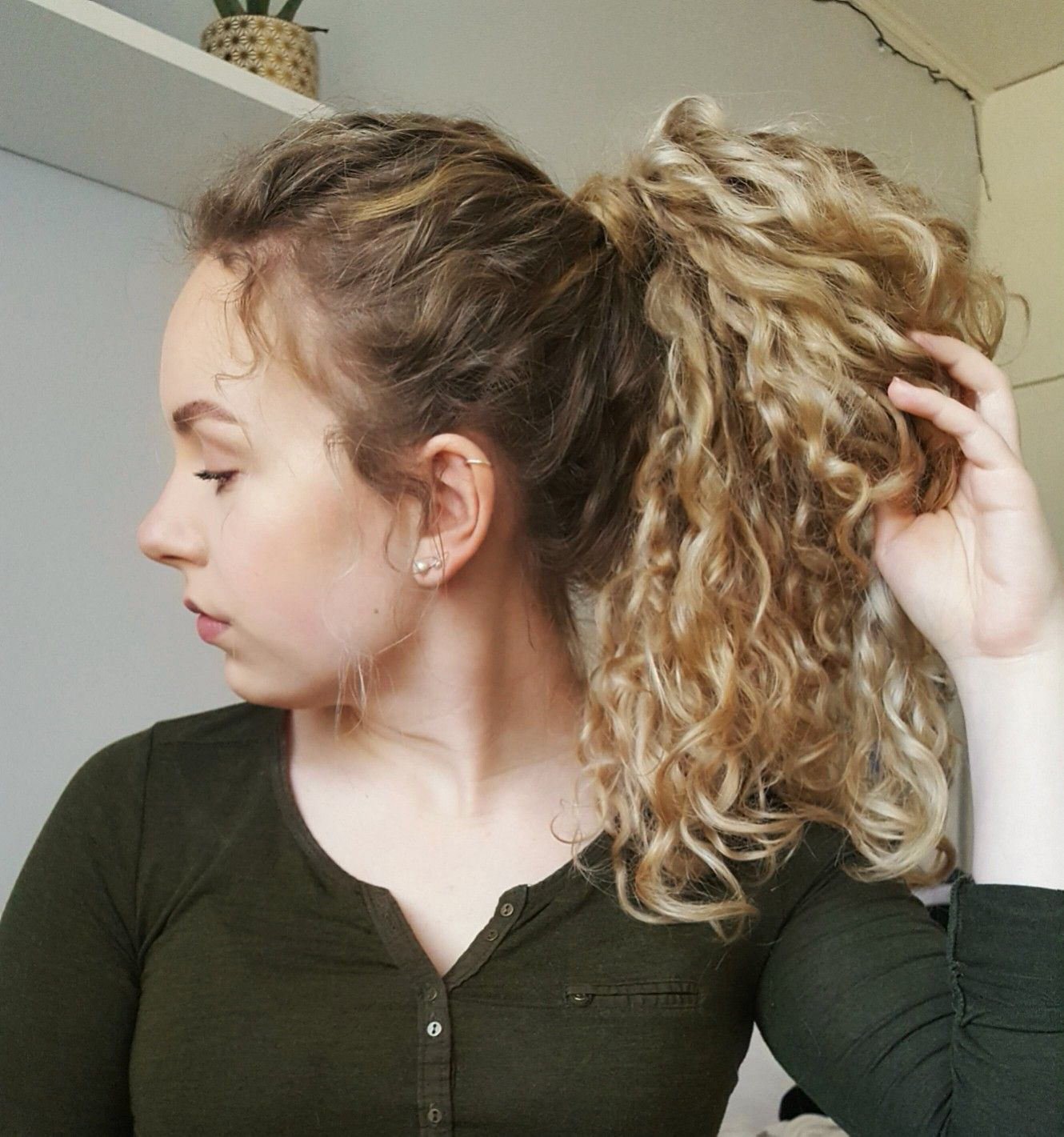 naturally curly hair hairstyles