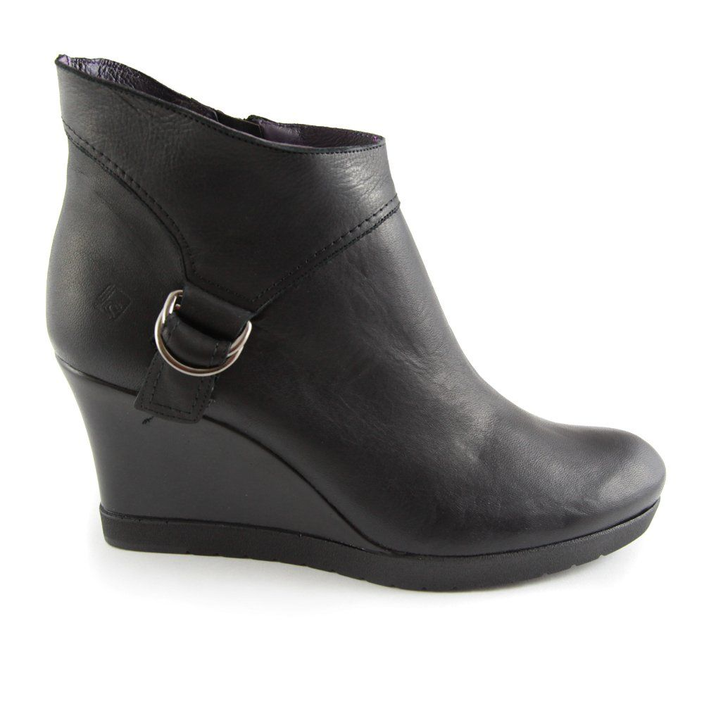 Black Boots Wedge Heel - Qu Heel
