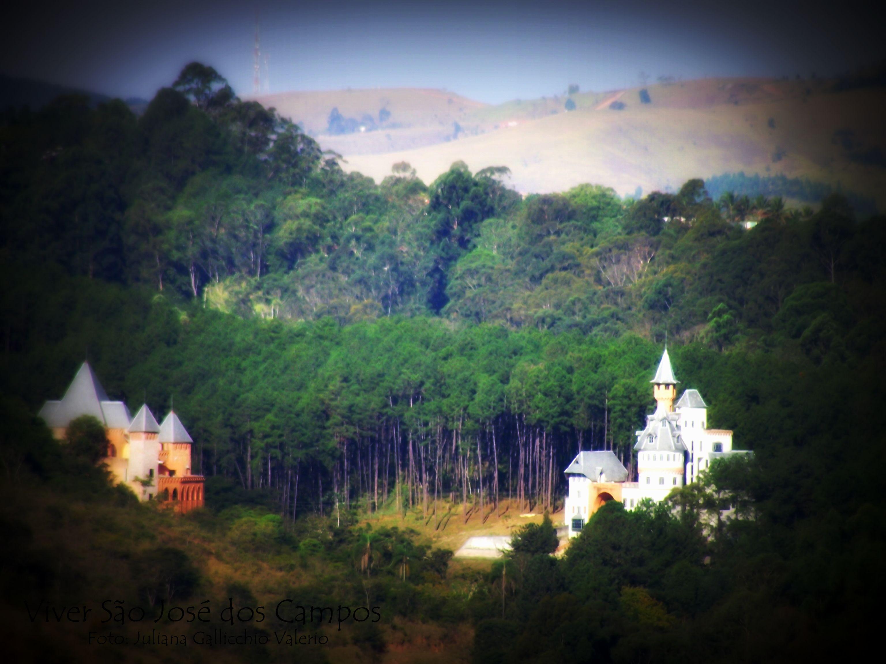 Minha cidade tem castelos no bairro Torrão de Ouro