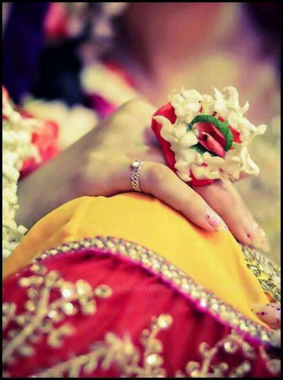 Pin mehndi and bangles display pics awesome dp wallpaper on pinterest - Beautiful Hands Mehndi Photo Shoots Bollywood Hennas