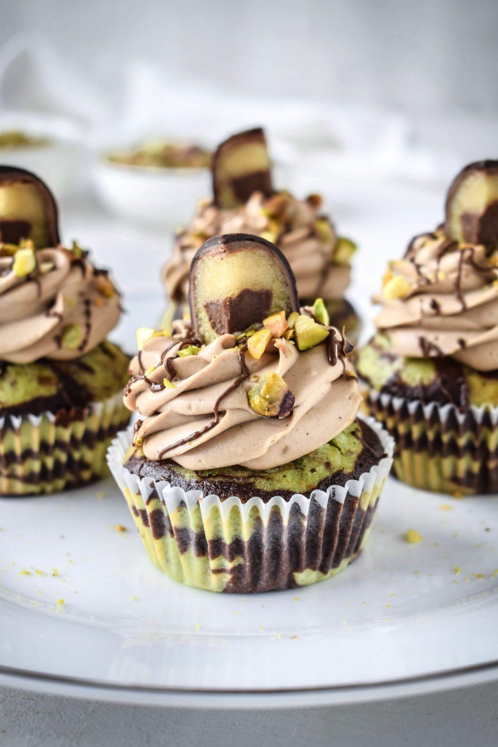 Mozartkugel Cupcakes mit Pistazien-Schoko Marmor Muffin #cupcakesrezepte