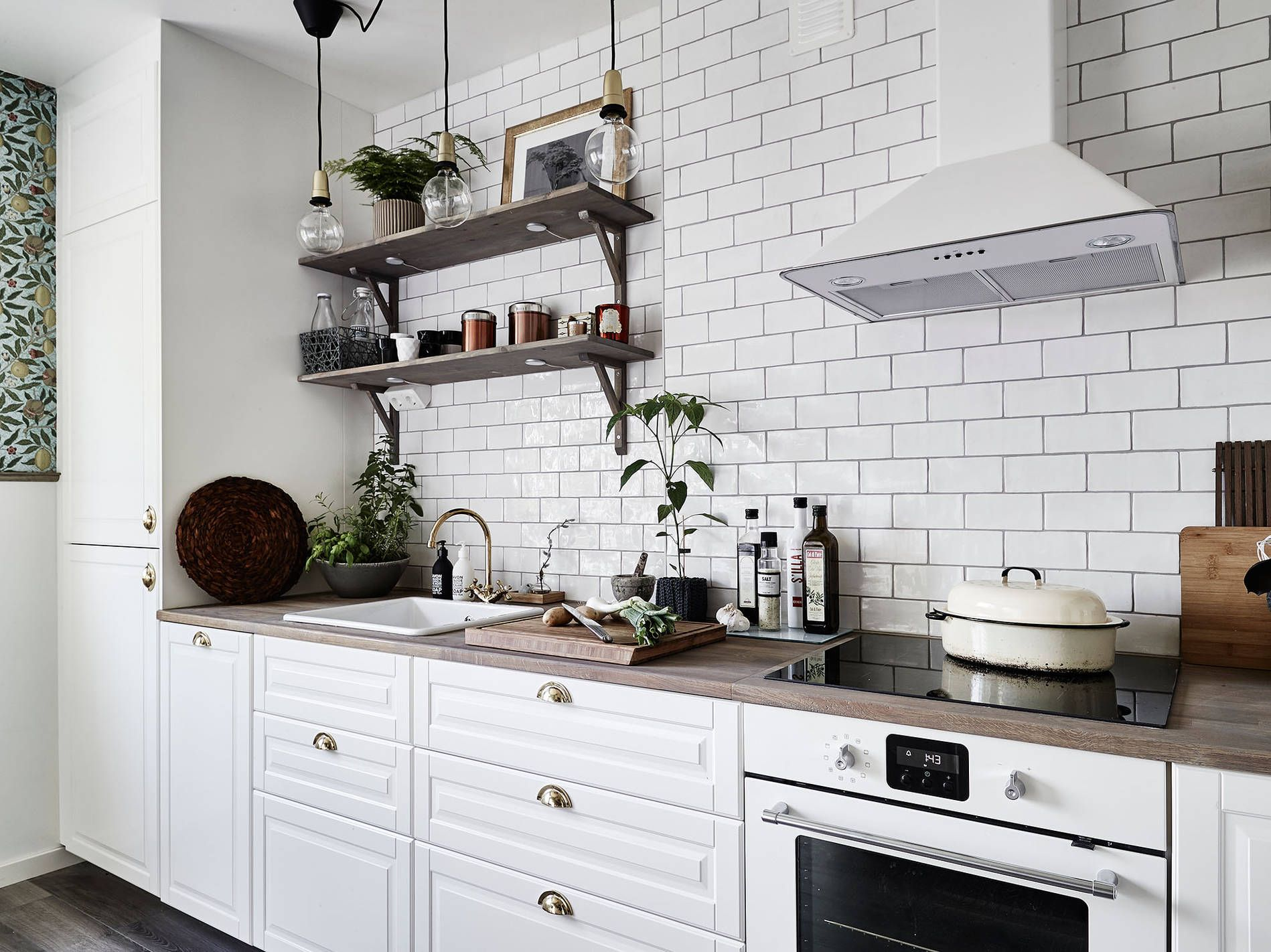 20 Beautiful Red Brick Kitchen Design Ideas Brick Wall Kitchen
