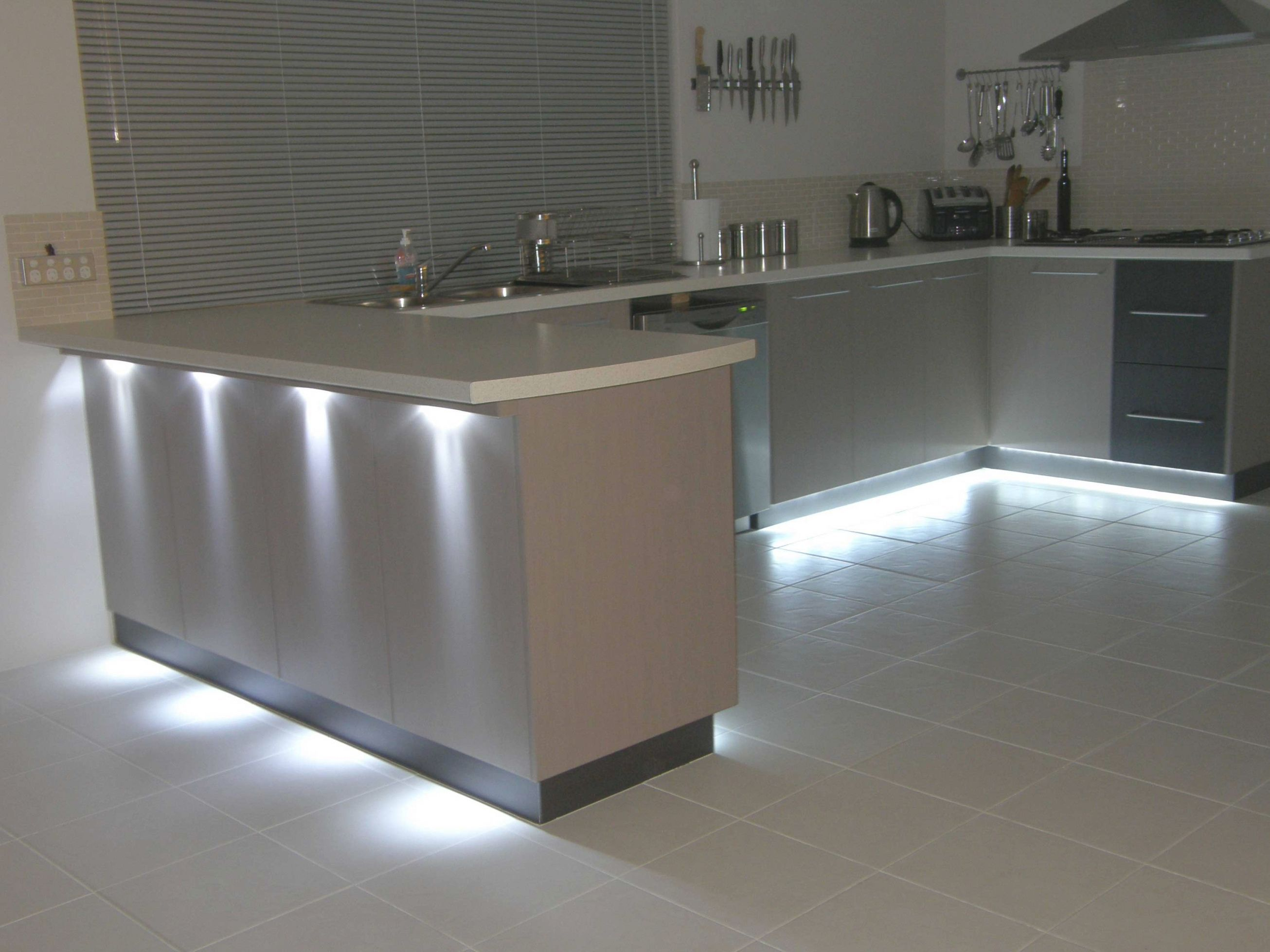 Battery Operated Led Kitchen Lights Kitchen Led Lighting Kitchen Under Cabinet Lighting Light Kitchen Cabinets