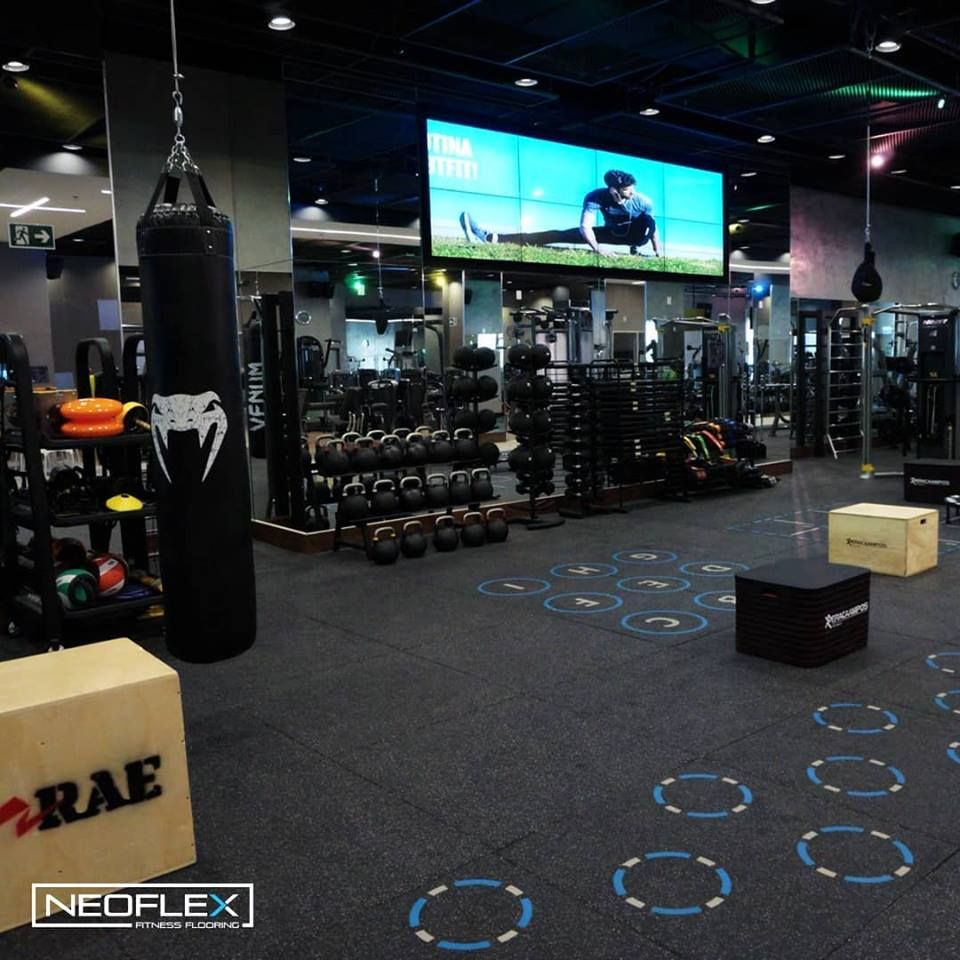 Neoflex Premium Gym Tiles With Inlaid Functional Markings At Bodytech In Brasil At Home Gym Gym Tiles
