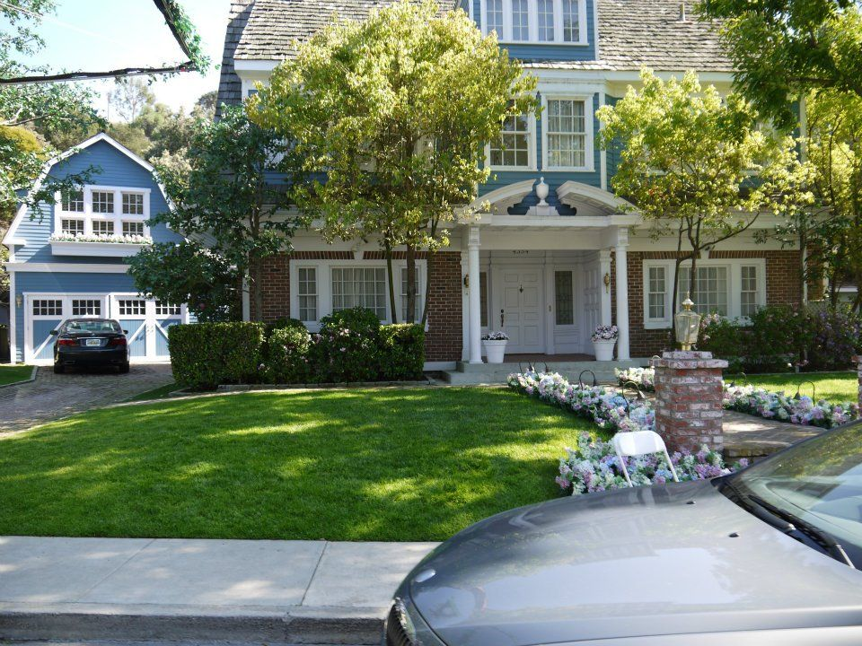 bree 39 s house from desperate housewives life on the lane. Black Bedroom Furniture Sets. Home Design Ideas