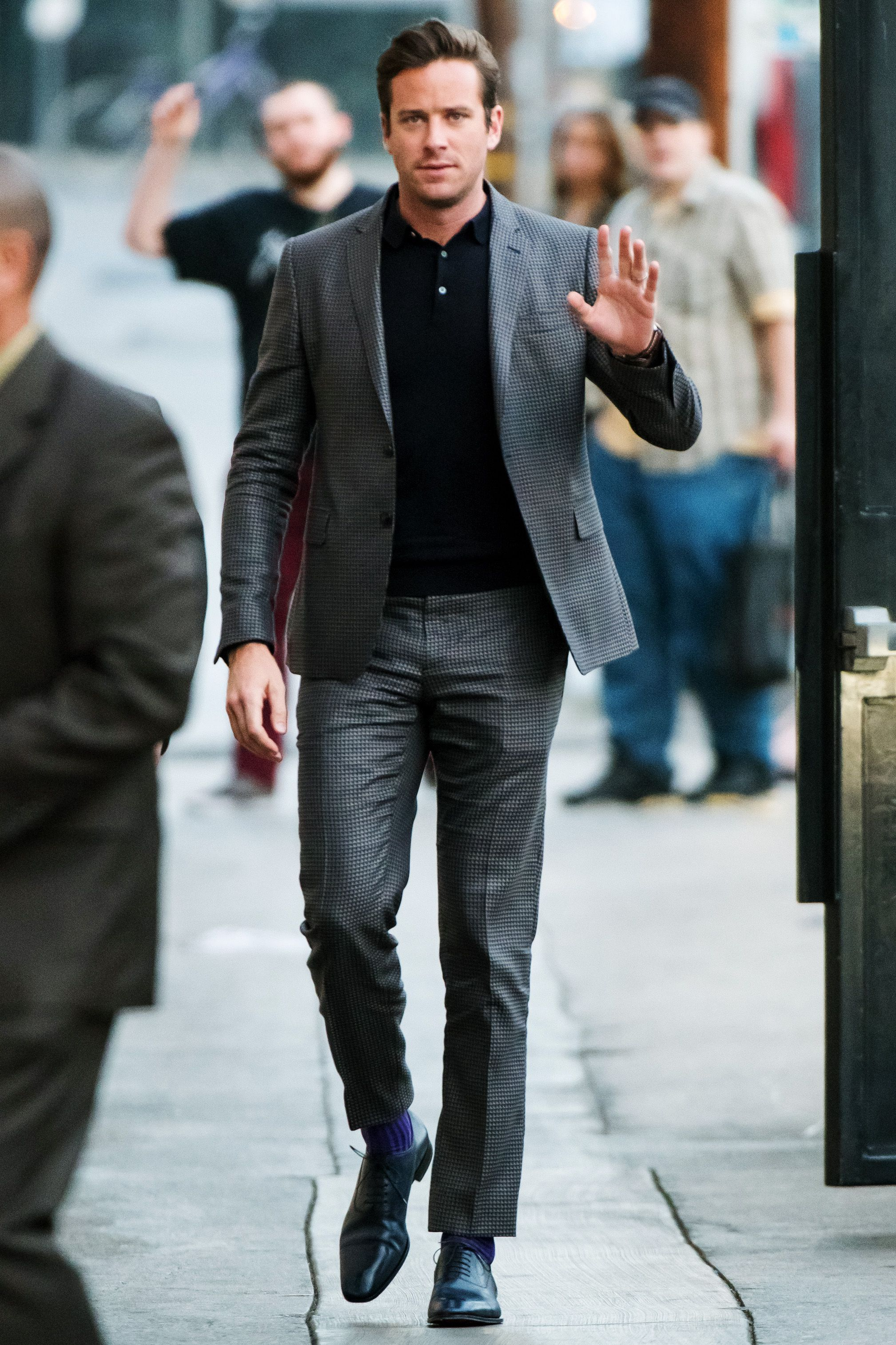 Armie Hammer fabulous! Wearing a great Suit and a Black