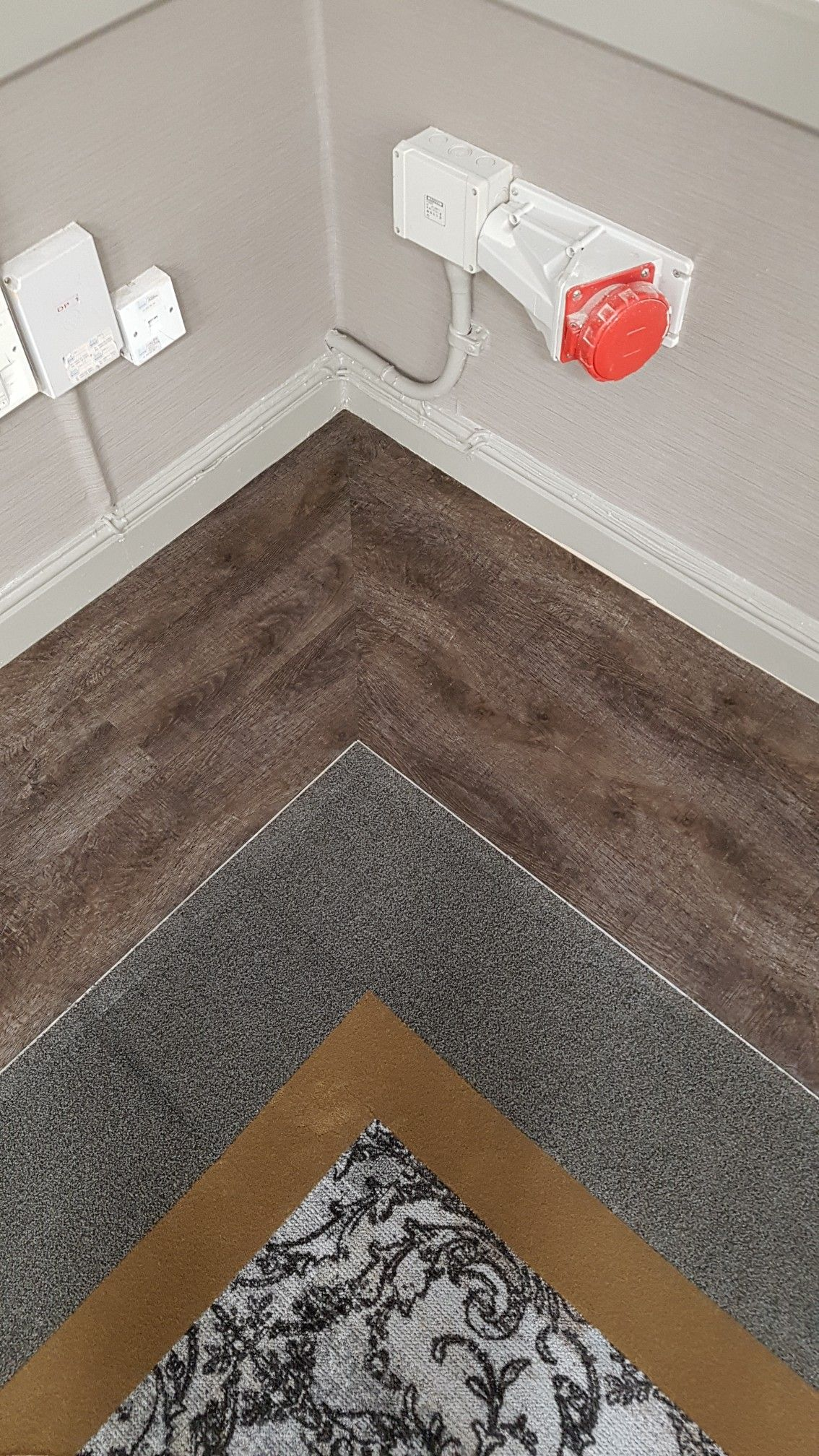 G harding flooring installation incorporating a mitre border using g harding flooring installation incorporating a mitre border using lvt and carpet tiles dailygadgetfo Image collections