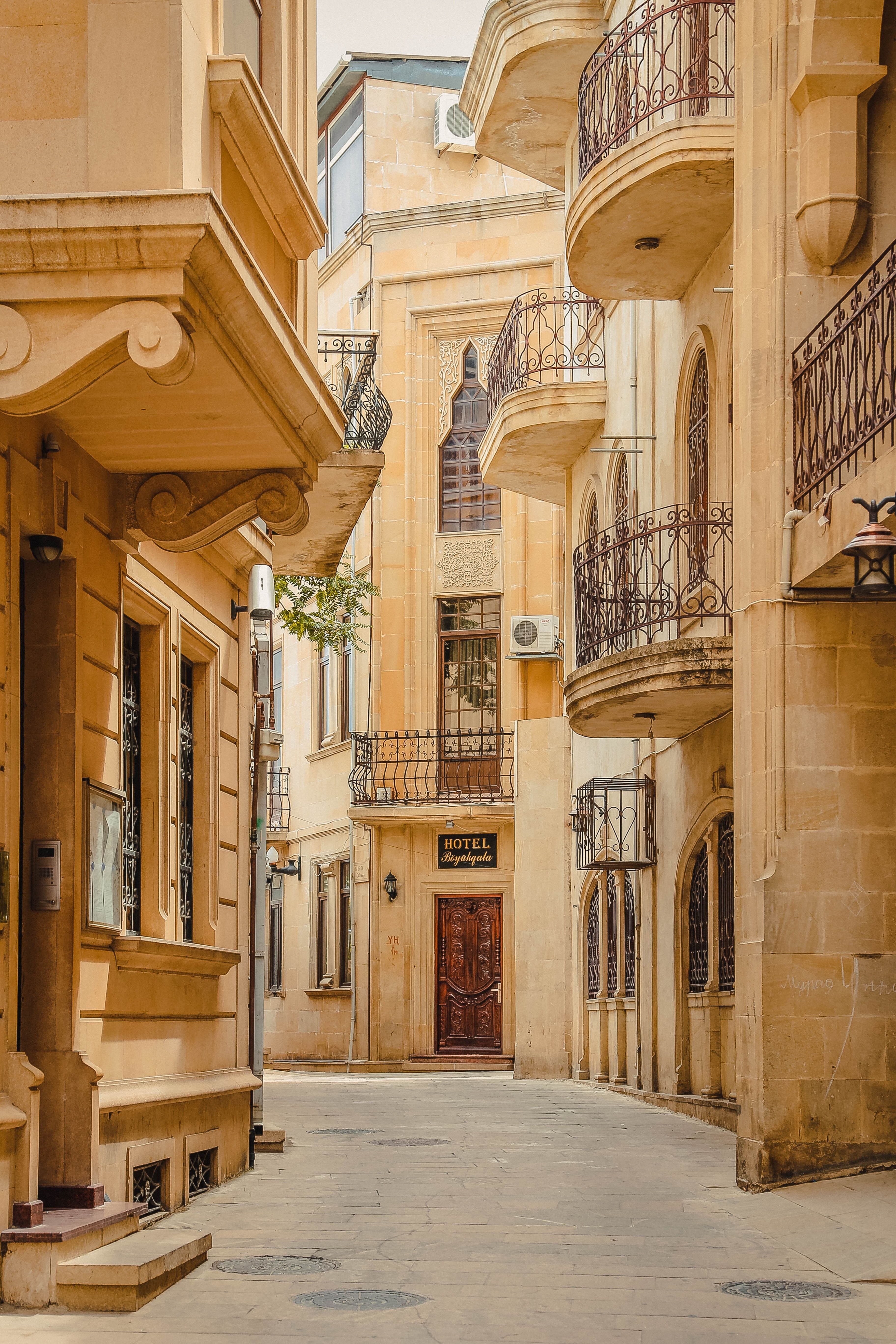 Alleyway Surrounded By Houses Ancient Antique Arabic Architecture Arabic Architecture Art Azerbaija Primitive Homes Architecture Contemporary Home Decor