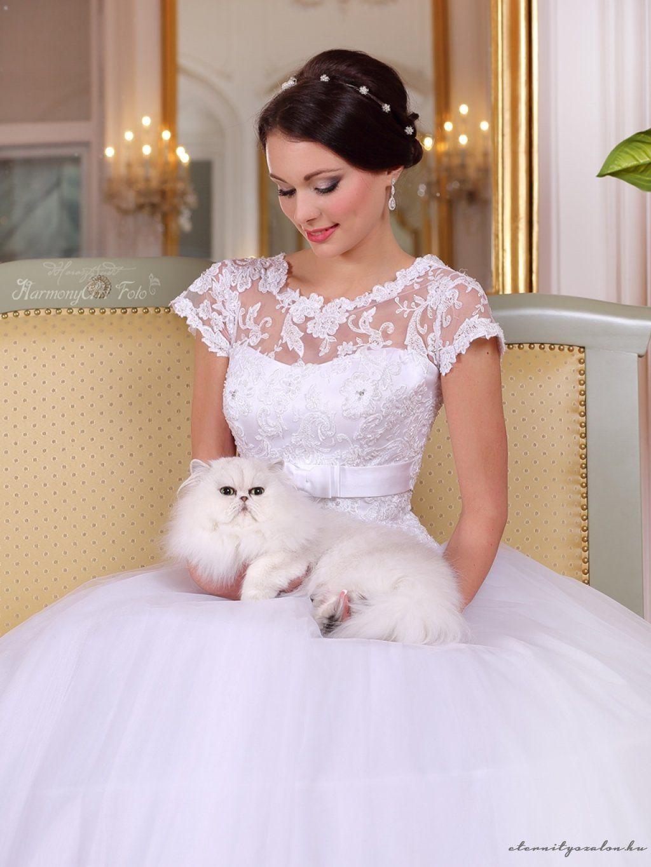 a145b2612b Sharon csipke esküvői ruha | ESKÜVÖI