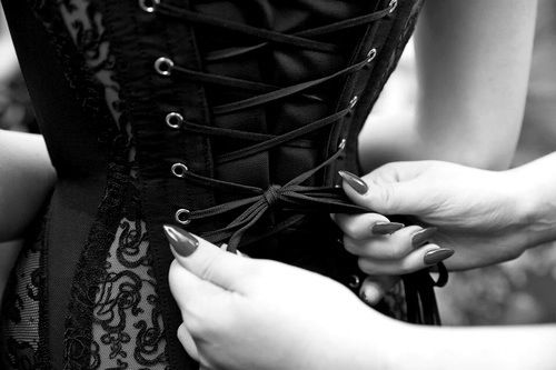 Картинка с тегом «corset, black, and goth»