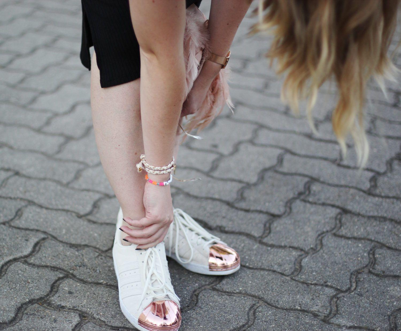 Gina Schwarzes Adidas Toe Langes Metal Strickkleid Tricot Superstar 34q5RjAL