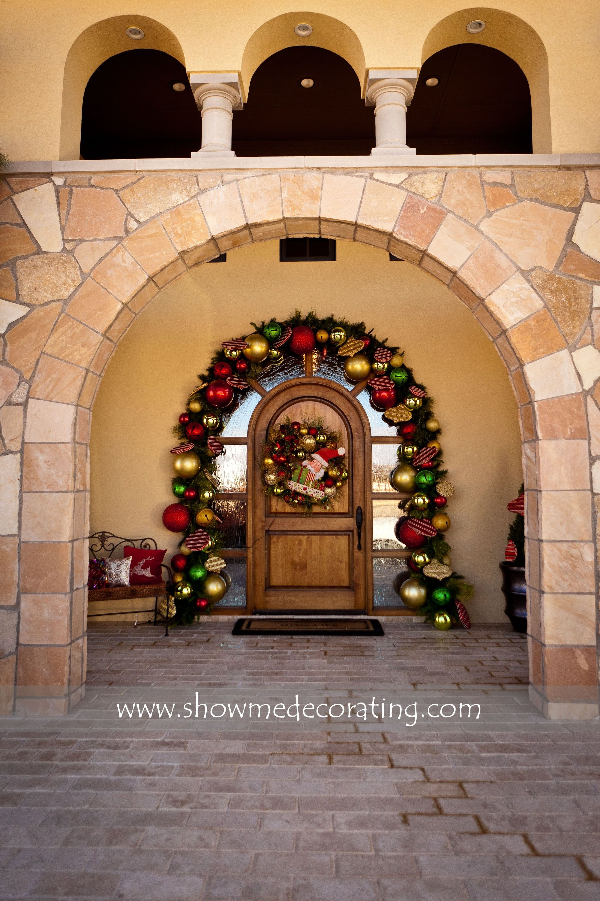 Love Love The Big Bulbs On This Arch Garland Front Door Welcome