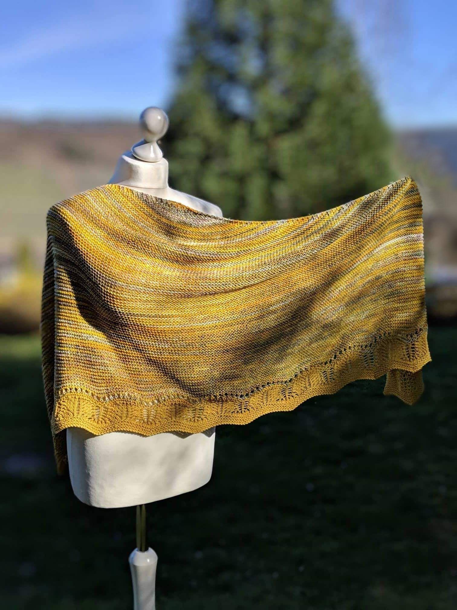 Strickanleitung Fur Ein Halbrundes Tuch Mit Schoner Abschlusskante