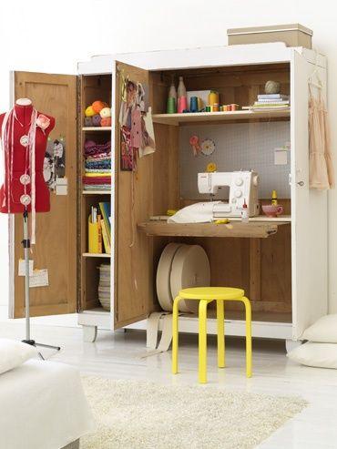 Creer Un Bureau Atelier Dans Un Petit Espace Idee Creative Armoire A Couture Meuble Couture Poste De Couture