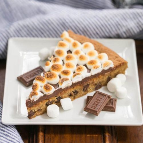 Smores Cookie Cake-Get your hourly source of sweet...