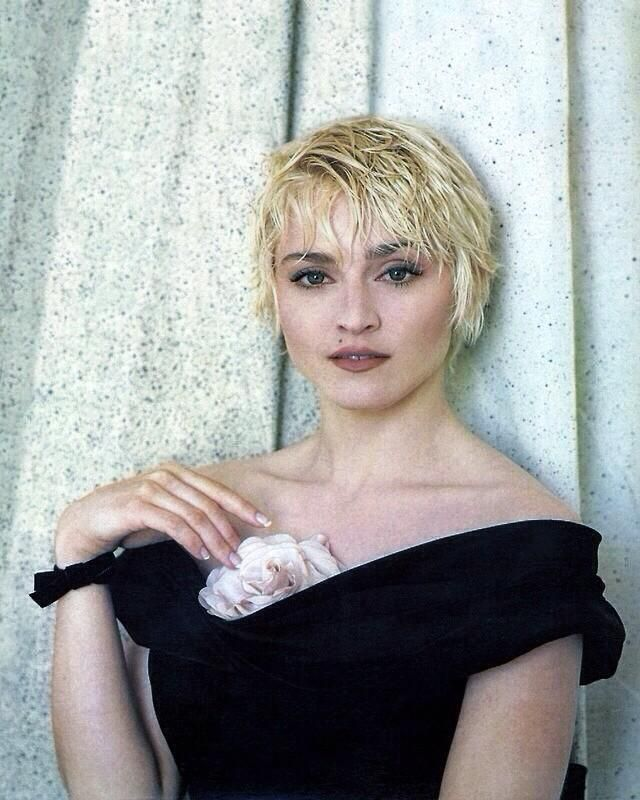 It S All Madonna S Fault On Twitter Madonna Short Hair Styles Madonna Photos