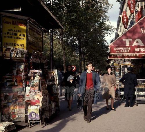 Kiosk in Paris, 1967 Juergen/Timeline Images #60s #1960s #60er ...