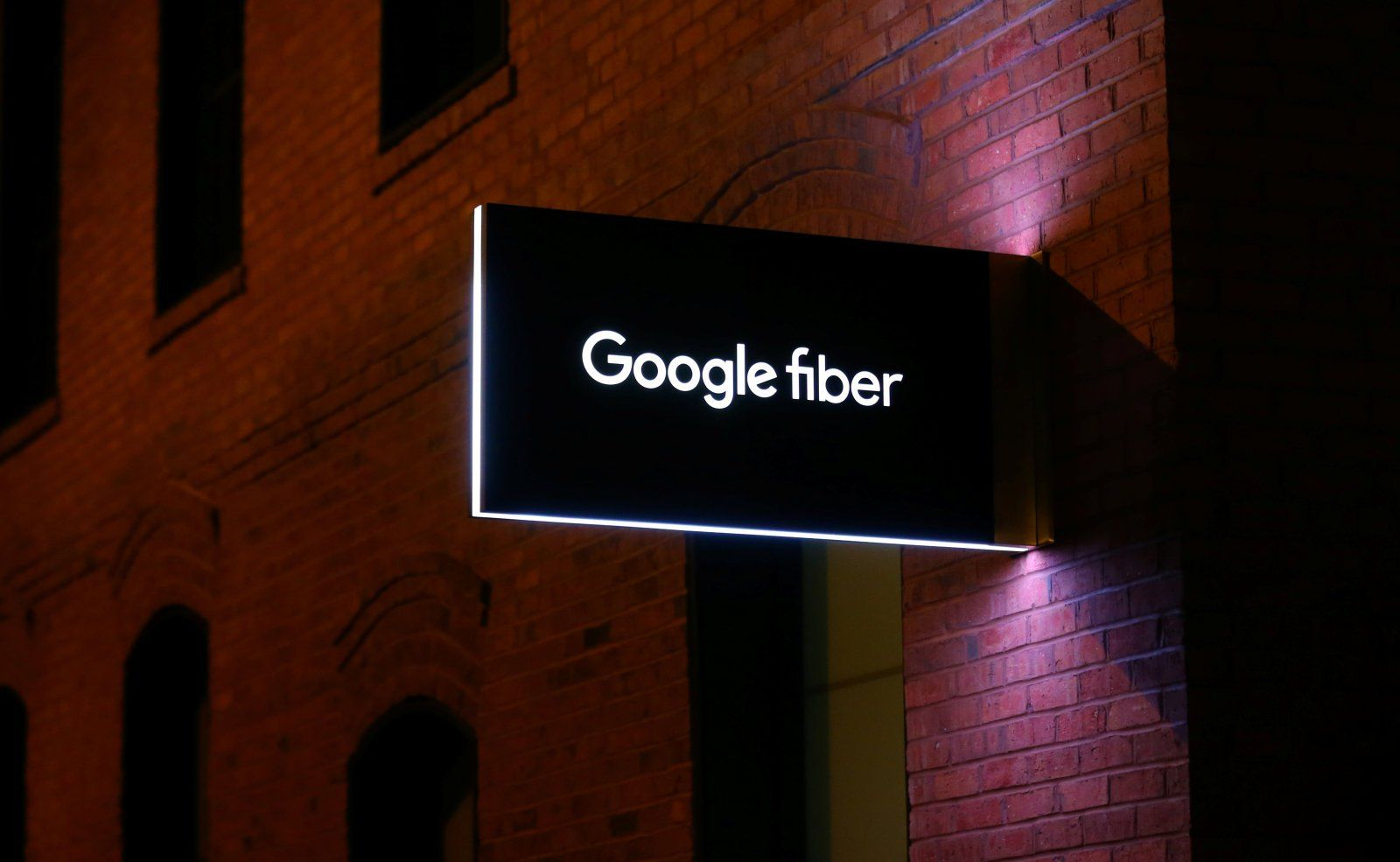 Google Fibers CEO steps down after five months Tv
