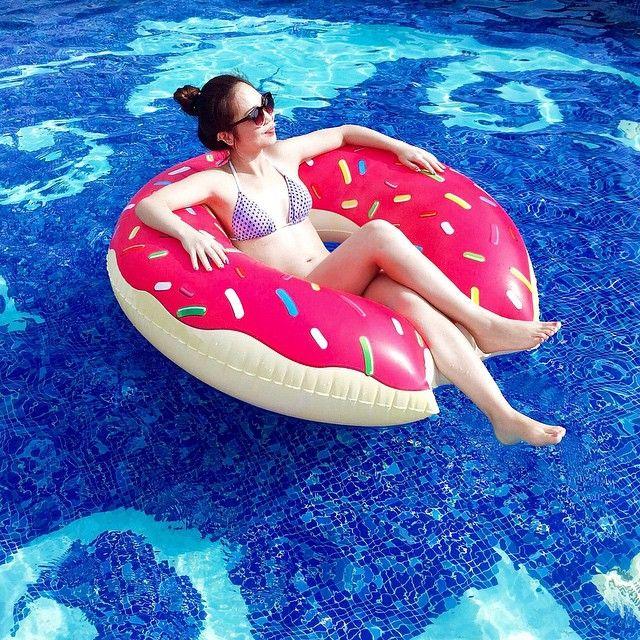Yes, please. @societyofsnobs #surania #bikini #relax #summer #mood #pool  www.surania.com