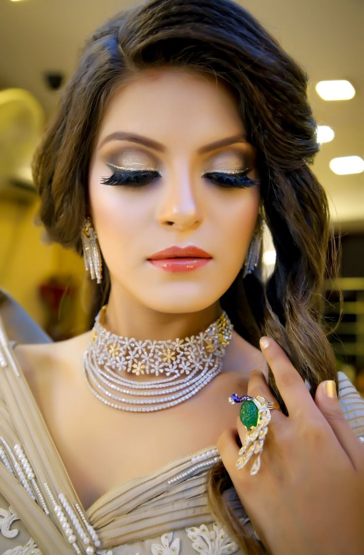 Party makeup by celebrity makeup artist in Delhi, Yashika
