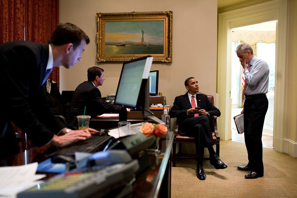 chief of staff resume%0A President Obama talks with Chief of Staff Rahm Emanuel in the Outer Oval  Office  April