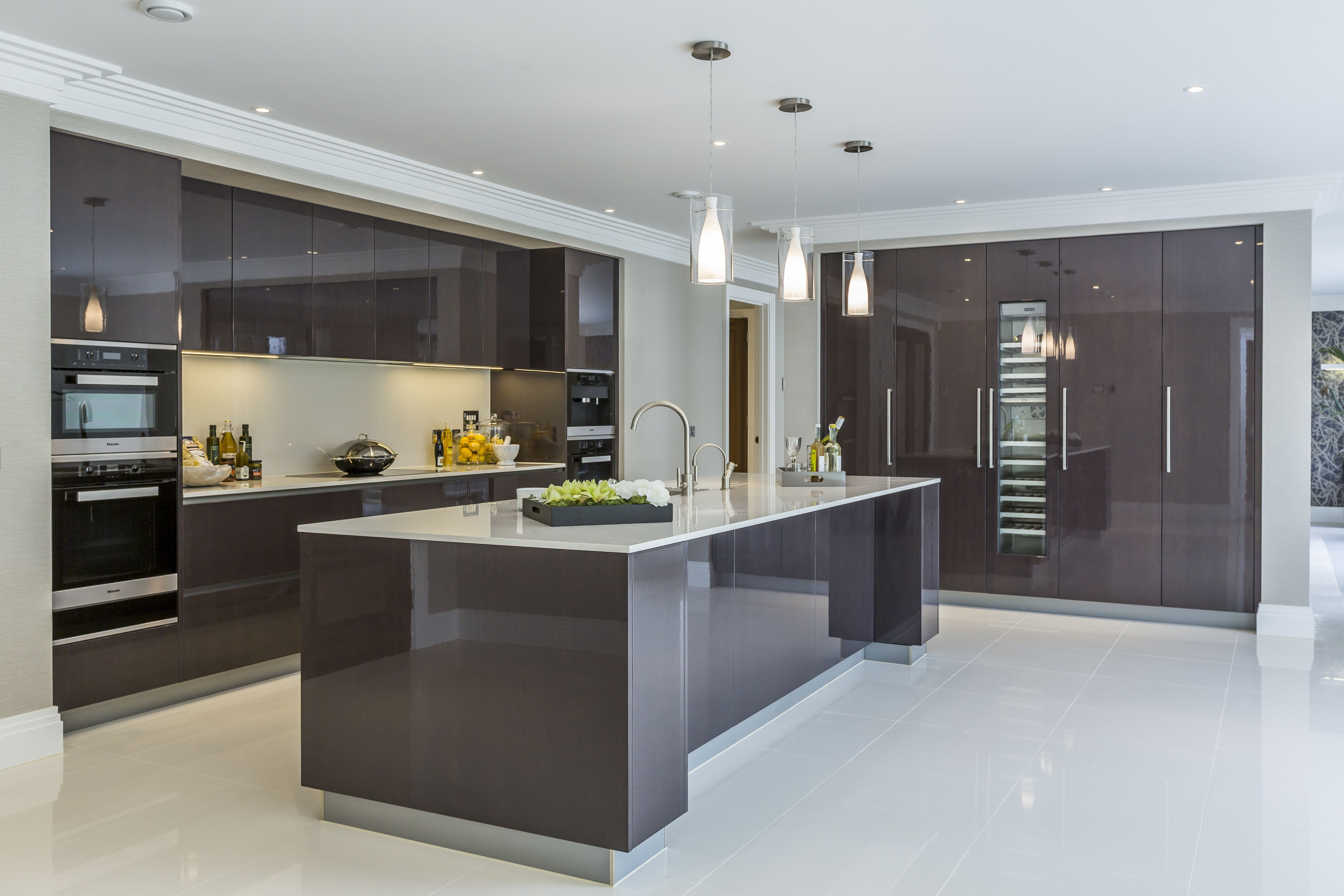 EXTREME Contemporary minimal high gloss kitchen design in