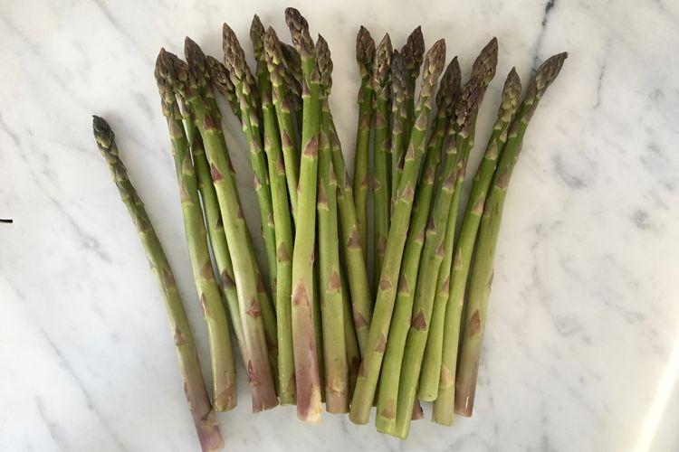 How To Trim Fresh Asparagus Spears Asparagus Trimming Asparagus Asparagus Spears