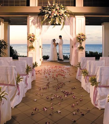 oahu wedding resorts ceremony locations restaurants spas