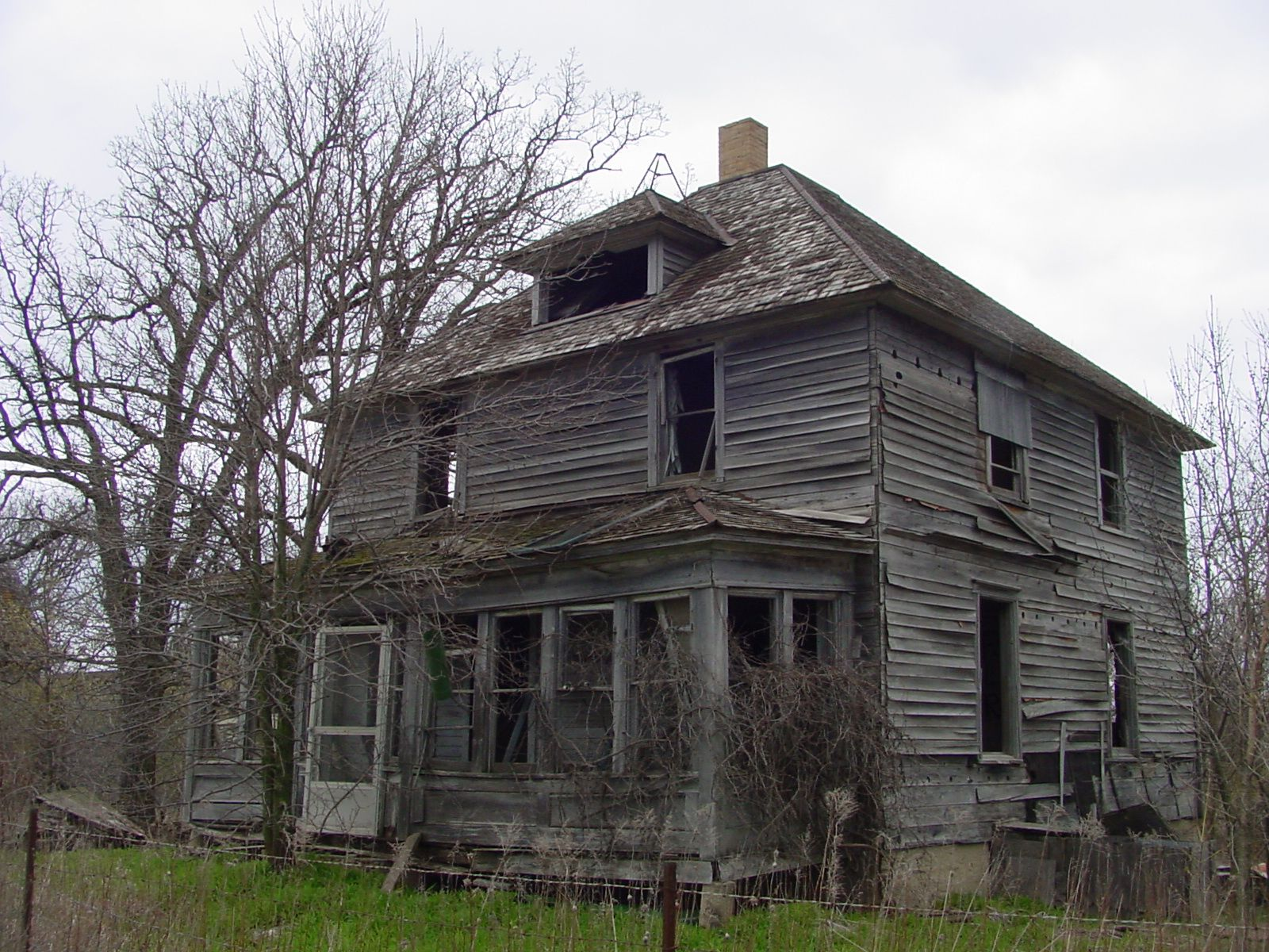 Abandoned House In Minnesota Pretty Sure This Is Just