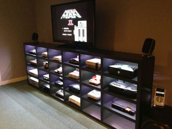 I have a saga megadrive an atari 2600 and a snes and a nice dig. mueble para consolas | Video game rooms, Game room decor ...