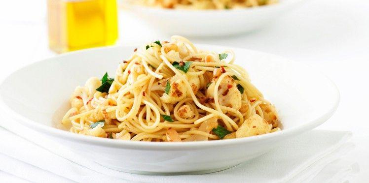 Spaghettis au chou-fleur sauté et à l'ail - Recettes