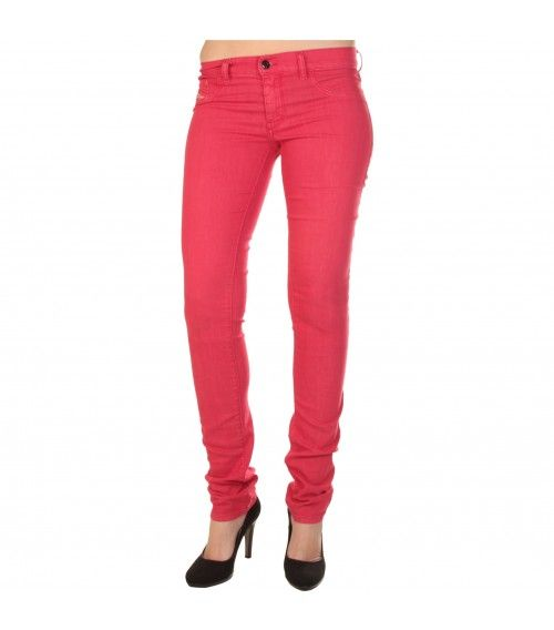 Yep Diesel makes some sweet women skinny jeans..wouldn't you say?